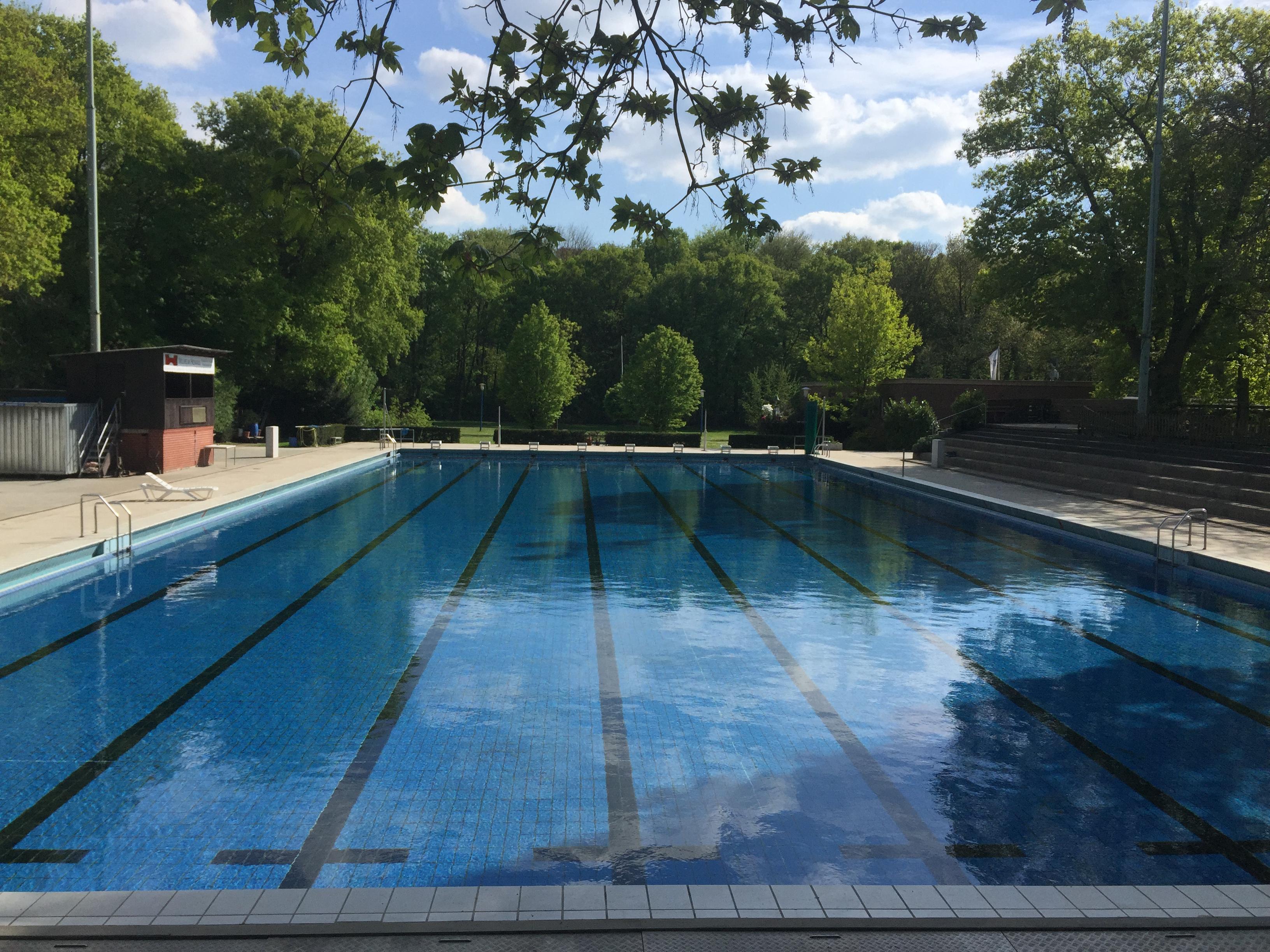 Schwimmbad-Saison 01.05.2015