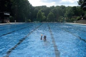 Schwimmbecken Mai 2015